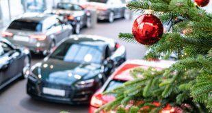 Weihnachten in einem Autoohaus