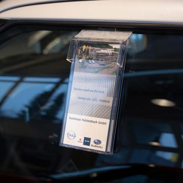 Info-Box für 1/3 DIN A4 (99 x 210 mm) Formate, mit abnehmbarer Schutzklappe.