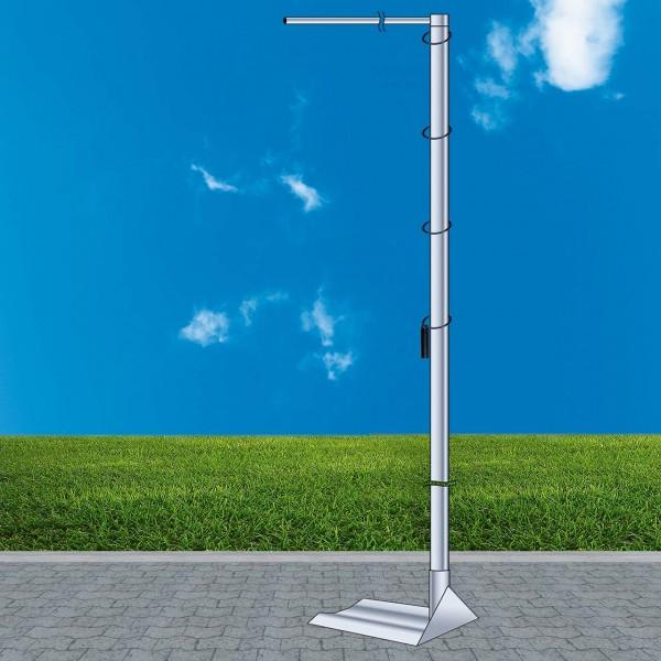 Mobiler Fahnenmast mit Ausleger, Gesamthöhe ca. 5,00 m